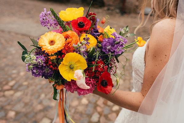 'Bee friendly' organic bridal flowers