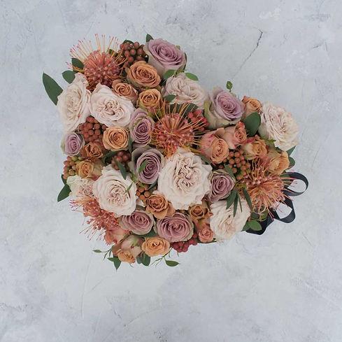 Valentine flower hatbox