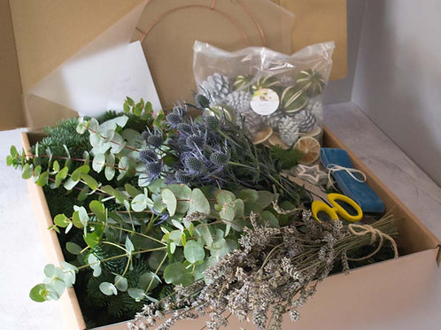 Homemade Christmas wreath  Workshop in a box