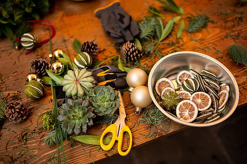 Online Christmas wreath workshop, at home