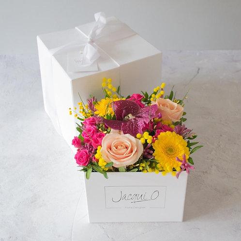 'Floral surprise' presentation box