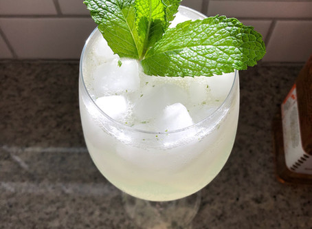 "Light and Refreshing Gin ""Mojito"" Cocktail"