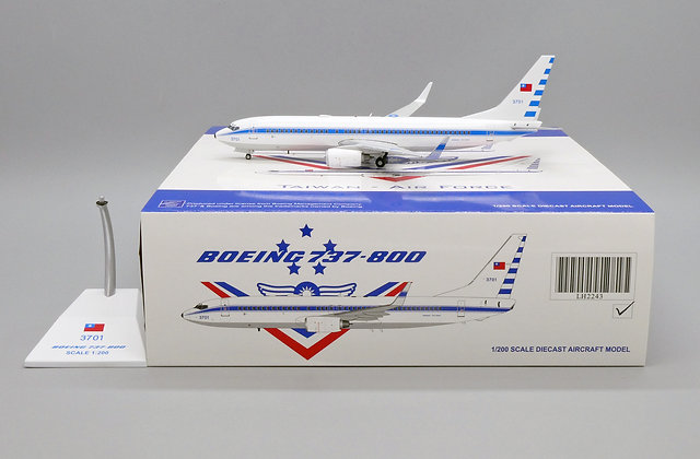 ROCAF B737-800 Reg: 3701 JC Wings Scale 1:200 Diecast Model LH2243