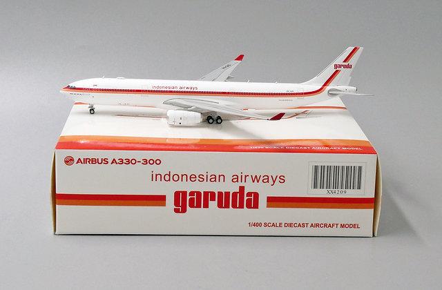 Garuda Indonesian Airways A330-300 Reg: PK-GHD 1:400 JC Wings Diecast XX4209
