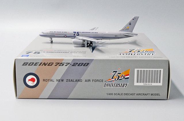 Royal New Zealand Air Force B757-200 Reg: NZ7571 JC Wings Scale 1:400 XX4444