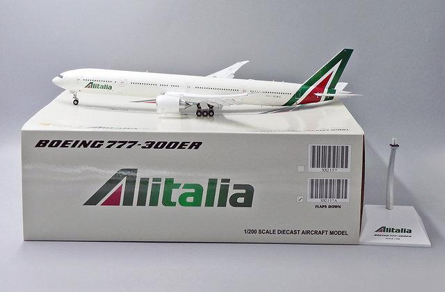 Alitalia B777-300ER Reg: EI-WLA JC Wing 1:200 Flaps Down Diecast model XX2157A