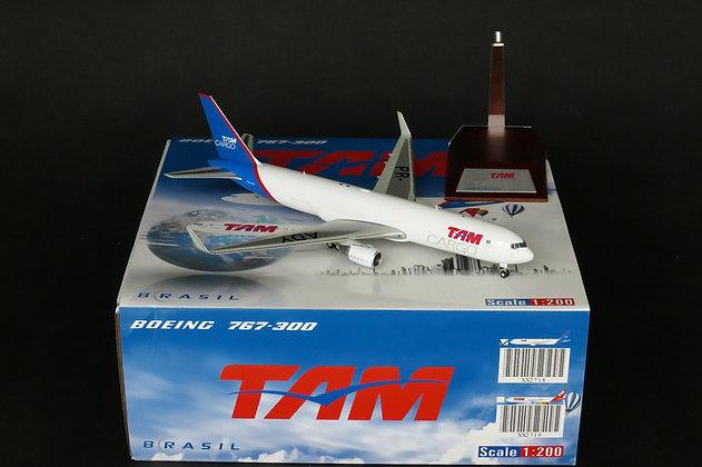 TAM Cargo B767-300F Reg:PR-ADY JC Wings 1:200 Diecast Models XX2718