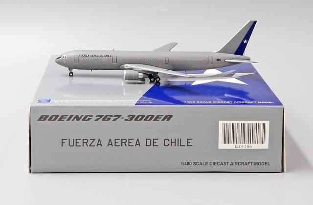 FACh B767-300ER Reg: 985 JC Wings Scale 1:400 Diecast Model LH4166