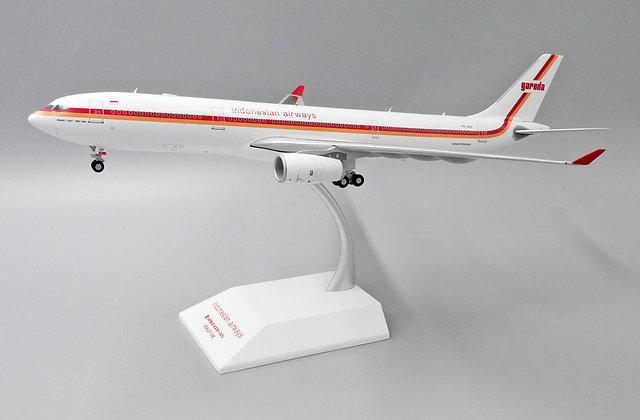 //White BOX //Indonesian Airways A330-300 Reg: PK-GHD JC  1:200 Diecast XX2270