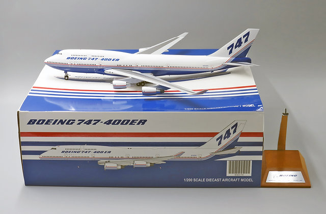 Boeing House Color B747-400 Reg: N747ER JC Wings 1:200 Diecast model XX2174
