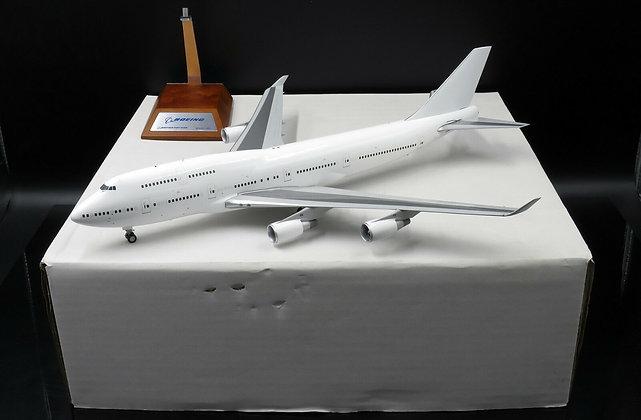 """Blank B747-400 """"Blank Series"""" GE Engines JC Wings 1:200 Diecast Modes XX2951"""