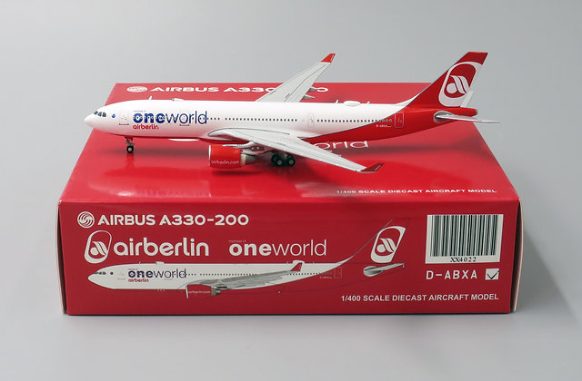 "Air Berlin A330-200 "" One World "" WITH Aircraft tug truck 1:400 JC Wings XX4022"