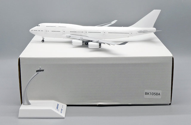 "Blank B747-400 "" Flap Down "" RR Engine JC Wing Scale 1:200 Diecast BK1058A"
