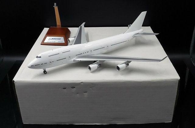 Blank B747-400 With PW Engine JC Wings 1:200 Diecast Models XX2952