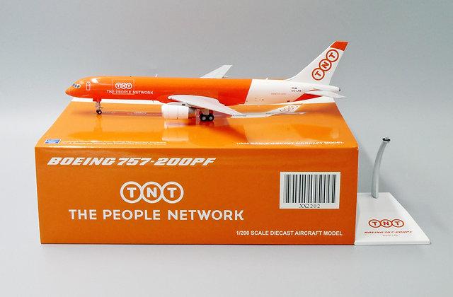 TNT B757-200PF Reg: OE-LFB JC Wings Scale 1:200 Diecast model XX2202