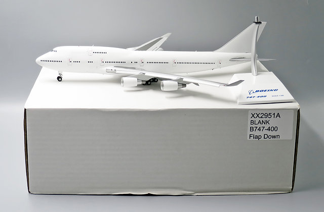 "B747-400 ""Blank Series"" GE Engines JC  1:200 Diecast Flaps Down XX2951A"