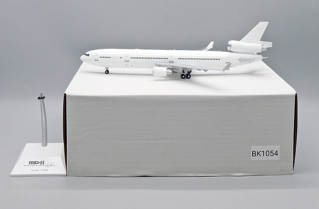 Blank MD-11 ''Blank series'' JC Wings Scale 1:200 Diecast model BK1054