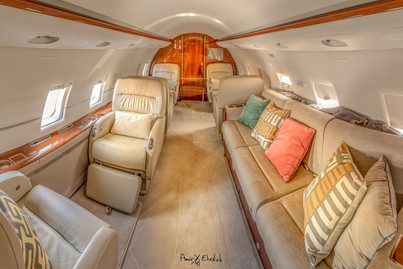 Challenger-604 private jet