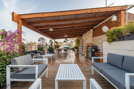 Roof garden in Holon