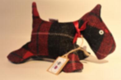 red black tartan 3.JPG