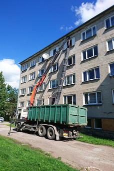 Multilift-kraaaauto-konteineriga