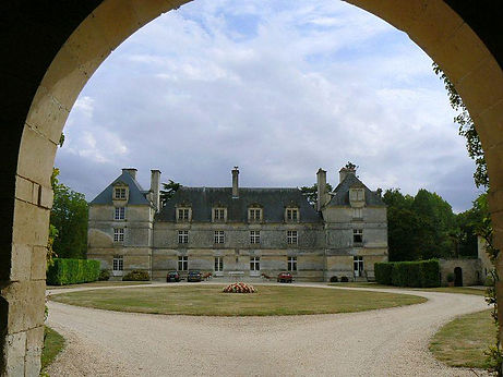 chateau-taillee-echire.jpg