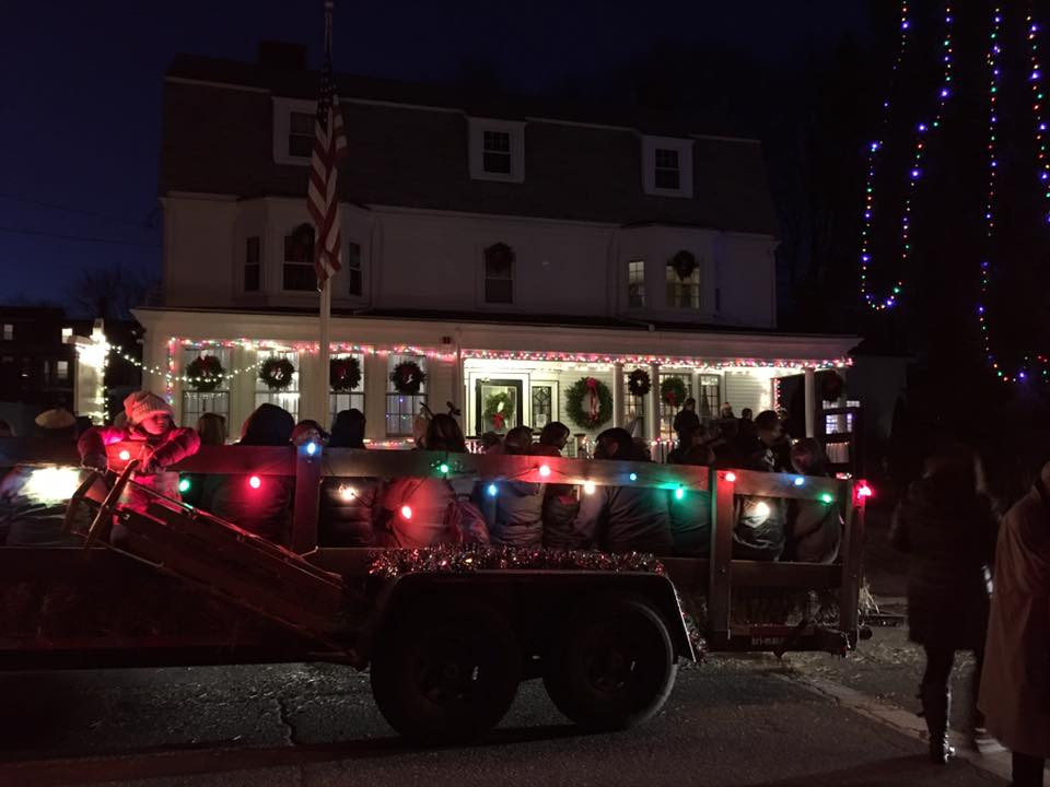 Front of Hastings House decorated for Christmas