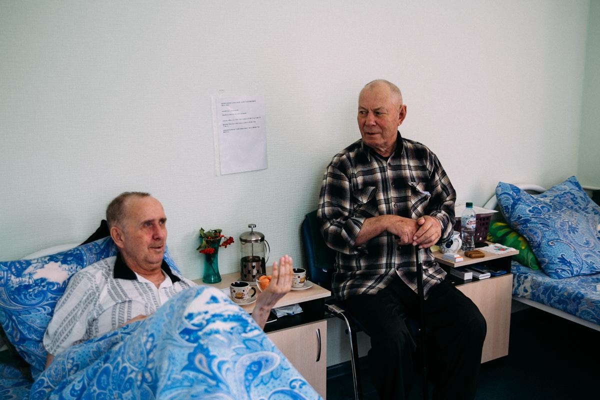Пансионат для лежачих больных онкологических сидеть после перелома шейки бедра