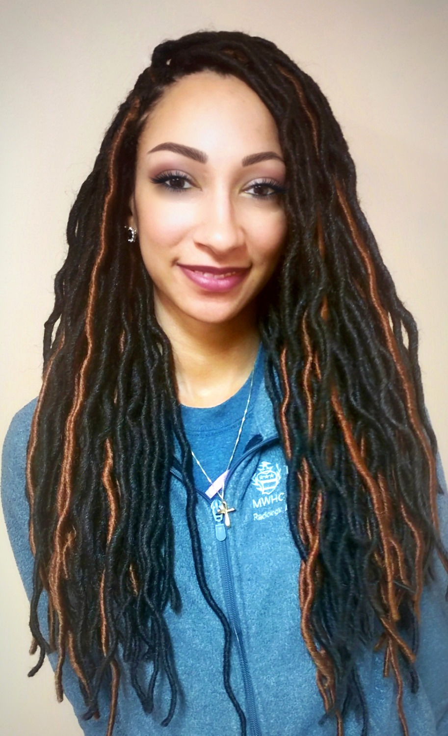 "Freetress 20"" Soft Wavy Faux Locs"