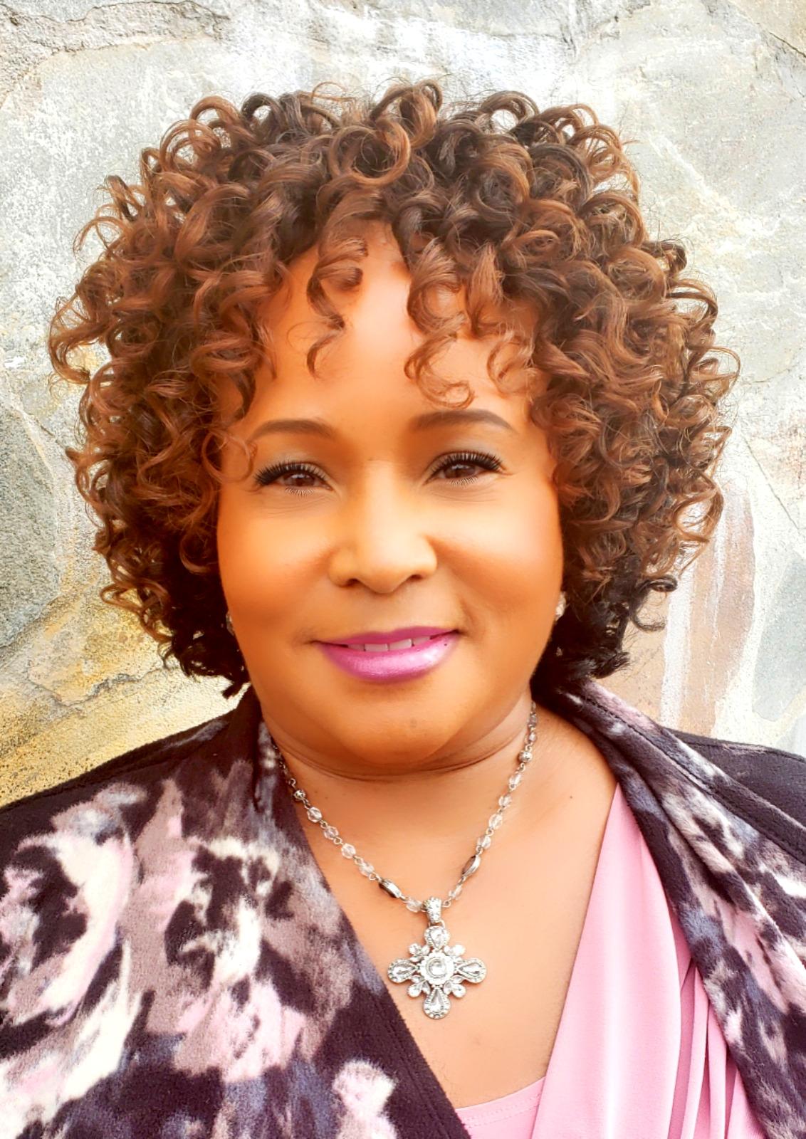 "6"" Bobbi Boss Cosmo Curl"