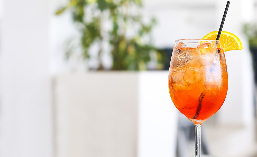 Make a delicious spritz cocktail!