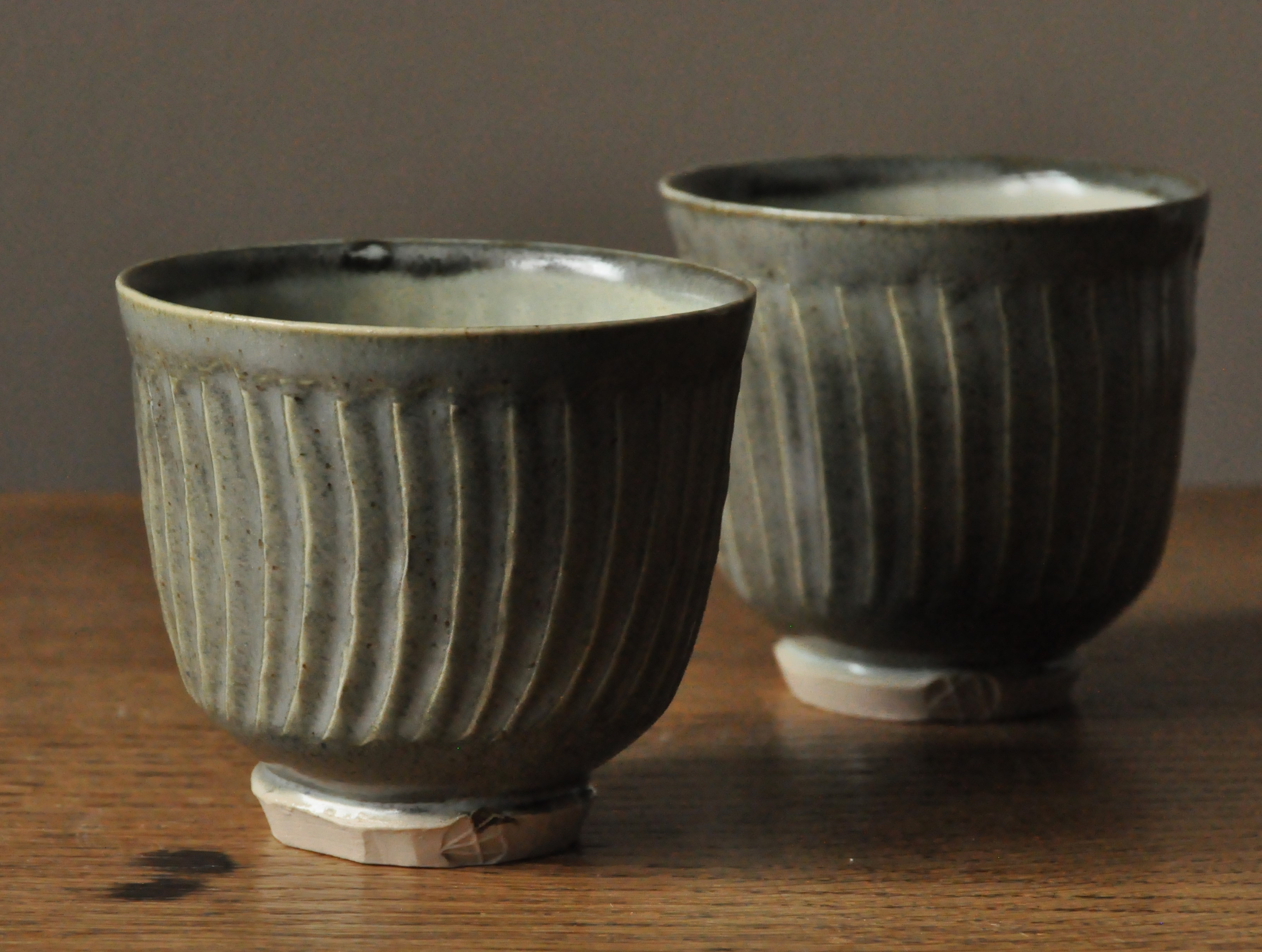 Small faceted teabowls