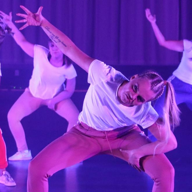 Dansur 30+ mánakvøld