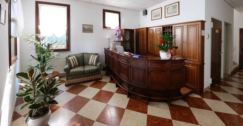 Albergo Italia- Hall