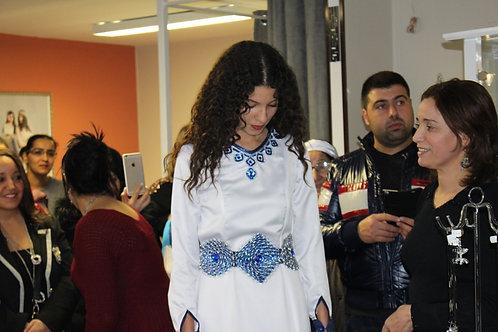 "Robe de mariée Amazigh ""Blanc et bleu"""