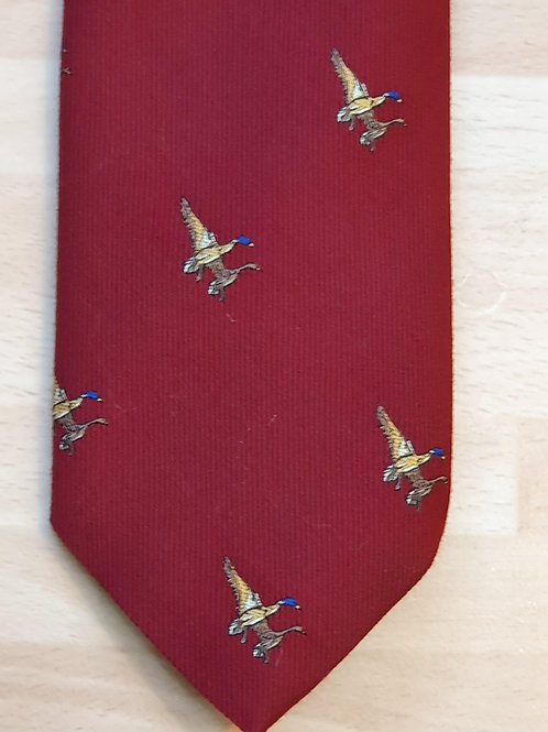 FORT AND STONE MALLARD IN FLIGHT ON RED TIE