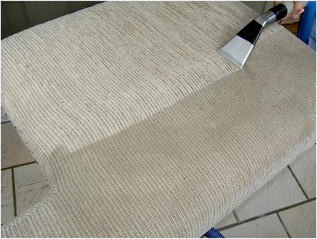 Cleaning upholstered cushion