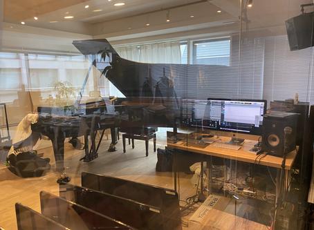今日はピアノソロの録音です。