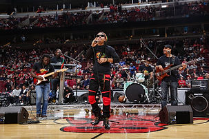Indika-Reggae-Band-at-The-United-Center.