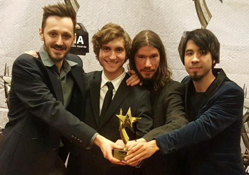Lever band with Chicago Msic Awards  tro