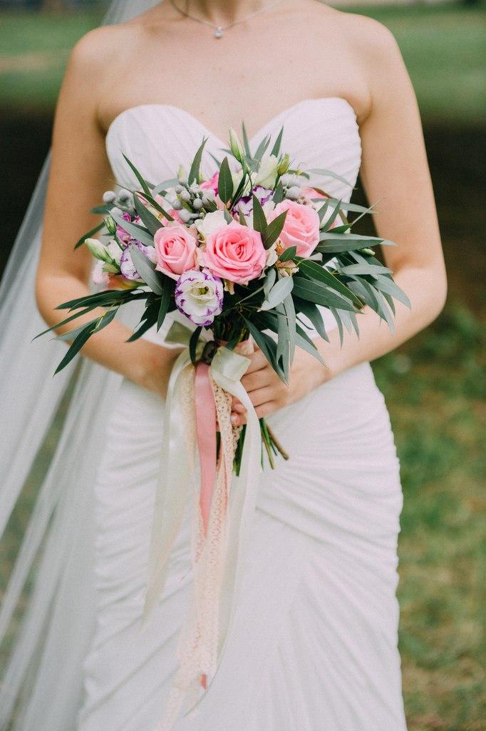 Заказать букет невесты в Краснодаре.
