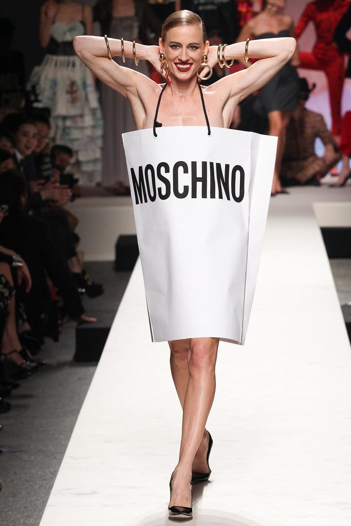 fashion production moschino