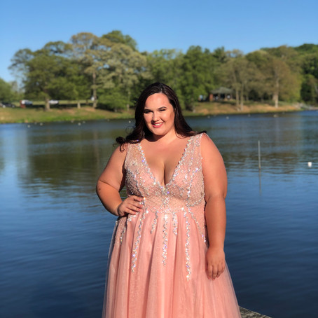 Prom Dress Shopping for Plus-Size Girls