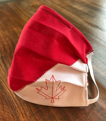 Canadian, Pleated Mask