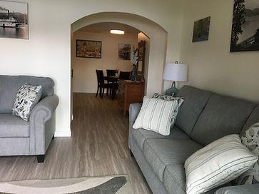 Living room 2 (2).JPG