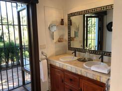Detail Bath Room Ochre Suite