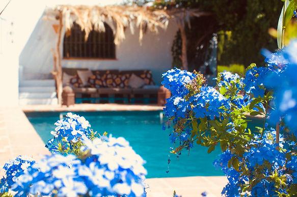 Lounge Pool La Tierra.jpg