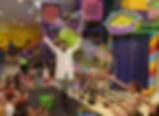 bolhas de sabão para festas, cientista maluco, palhaço com bolha de sabão, bolhas gigantes, bolhas de sabão, churumello, show de bolhas, bolhas com as mãos, palhaço, palhaço churumello, show de bolhas gigantes, casa de festa, arte e kids, crianças, um ano, aniversário de um ano, circo