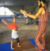 Acrobacia, Oficina criativa, festa infantil, animação, malabarismo, circo, tema circo, circo rosa, atração, malabarismo