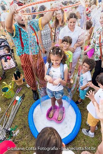 Bolha de sabão gigante, Churumello,  Oficina criativa, festa infantil, animação, malabarismo, circo, tema circo, circo rosa, atração, malabarismo